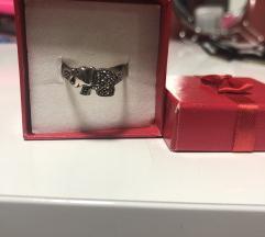 Srebrni prsten sa poludragim kamenjem