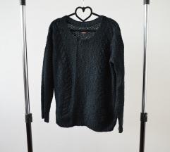 Crni klasični džemper