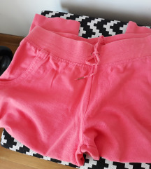 Pantalonice koralne boje