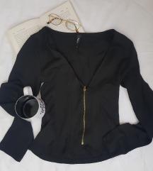 * Crna bluza sa rajfešlusom *