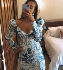 Haljina sa plavim cvetovima