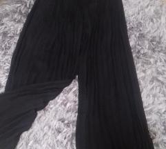 Prelepe crne duge plisirane pantalone