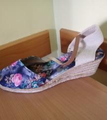 Sandale na platform 40br.