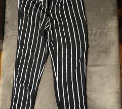 Nove pantalone lezerne