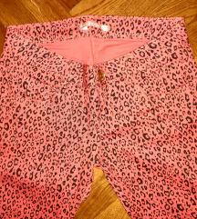 Nove skinny tigraste pantalone