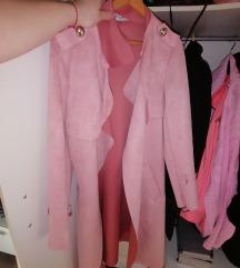 Bebi roze kaputic