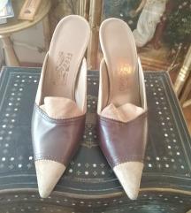 Nove Ferragamo papuce