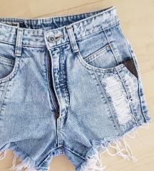 Jeans sorts uz kupovinu preko 5000 ide gratis)