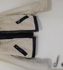 Bershka kratka jakna