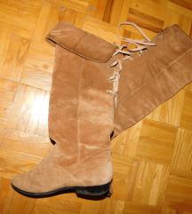 Duboke unikatne cizme snizene 400