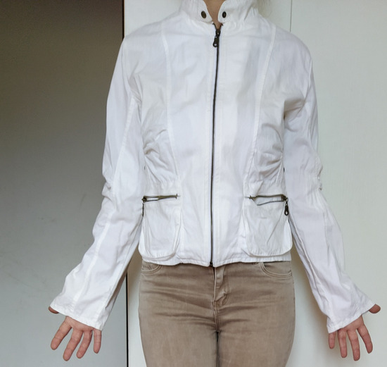 Bela letnja jaknica 38-40