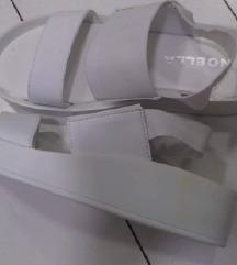 bele sandale