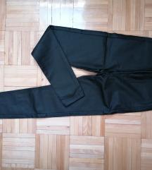 Stradivarius voskirane pantalone