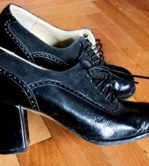 Crne cipelice, 35