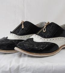 Novecento lakovane cipele 37