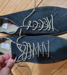 Nove italijanske muske cipele