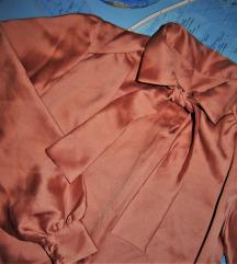 Sniženo 800rsd - Vintage satenska roze košulja