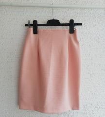 Nezno roze suknja