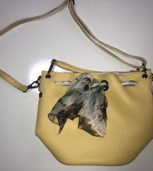 Preslatka torbica sa maramom