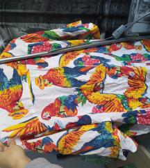 Levi's košulja sa papagajima.