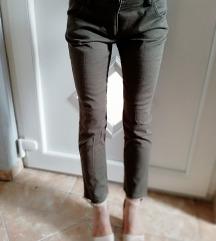 Maslinaste pantalone 🍀🍀🍀rasprodaja