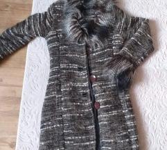 Prelepa jaknica sa krznom