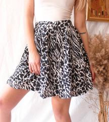 Suknja krojena u A, S-M vel