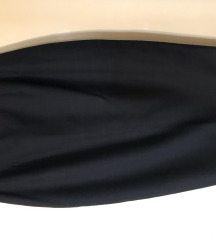 Poslovna suknja ispod kolena