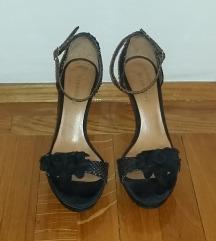 Kožne crne sandale sa cvetom
