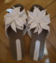 Nove papuče 37