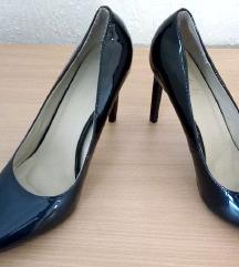 Elegantna cipela sa stiklom