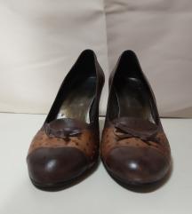 Ženske kožne cipele na štiklu, dva puta nošene