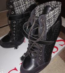 Nove original Guess cizme