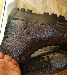 Italijanske kozne cipele NOVO!