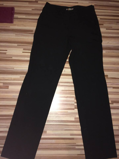 siroke crne pantalone