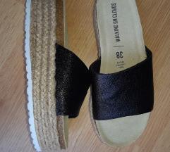 NOVO Papuce na platformu