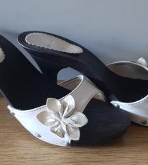 Zenske papuce