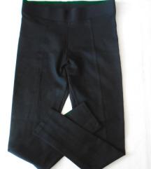 sada 750 Nove crne helan pantalone Vavite