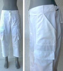 bele pamučne pantalone tri četvrti broj 44 do 48