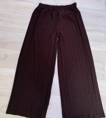 Plisirane pantalone