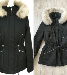 ZARA vodootporna jakna - malo nosena