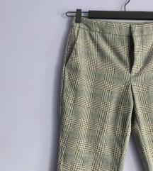 Karirane pantalone Zara