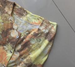 Cvetna bluzica