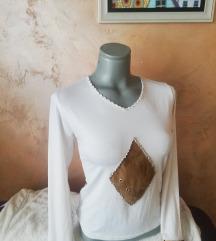 Bluza sa detaljima