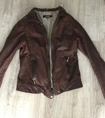 Kožna ženska jakna. Prava koža u M veličini.