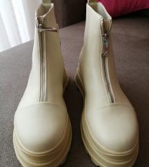 NOVE   Zara cizme