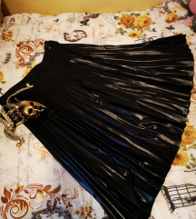 '' Kožna'' plisirana crna suknja 36