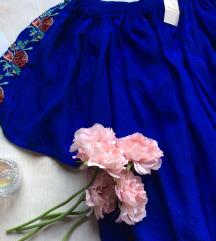 Atmosphere iz Beča rojal plava bluza sa vezom