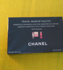 Chanel travel makeup paletta