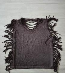 Majica sa resama i krilima